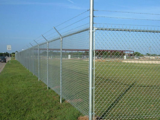 China Plain Weave Style Black Galvanized Chain Link Fence Panels For Playground supplier