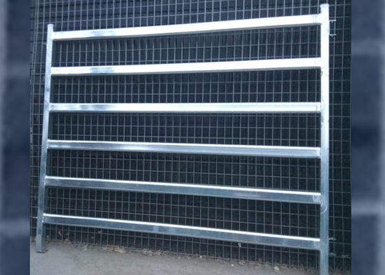 China Sliver / Green / Red Color Cattle Corral Panels Removable 2100mmL*1800mmH supplier