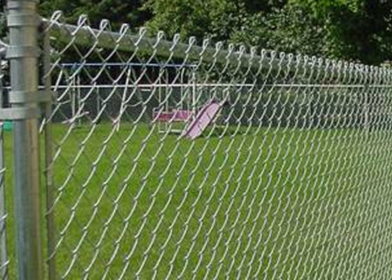 China Safety Area Airport Security Fence Chain Link , Zoo Wire Mesh Different Colors supplier
