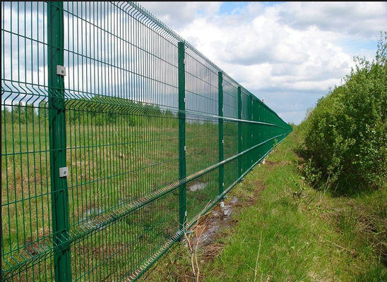 China Easy Install 3D Curved Welded Mesh Fence Welded Utility Fence For Public Grounds supplier