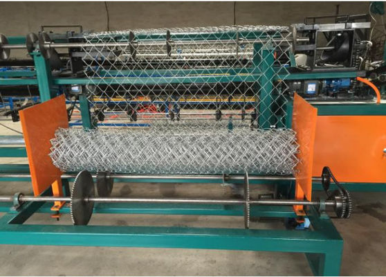 China Anti Corrosive Chain Link Fence Machine / Semi Automatic Chain Link Machine supplier