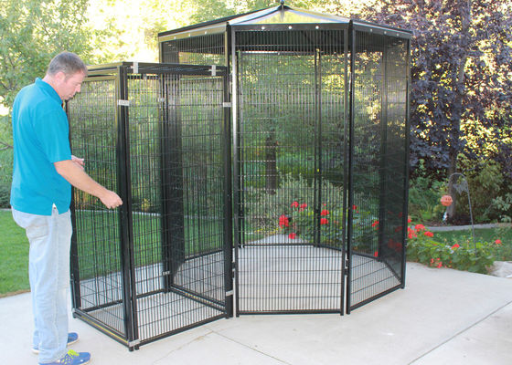 China 8' Dia Outdoor Parrot Aviary Wire Mesh Galvanized / Powder Coating Surface supplier