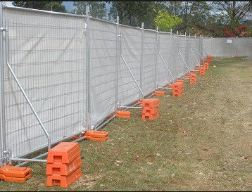 China Temporary Fence With Plastic Feet Easy To Install And In High Security factory