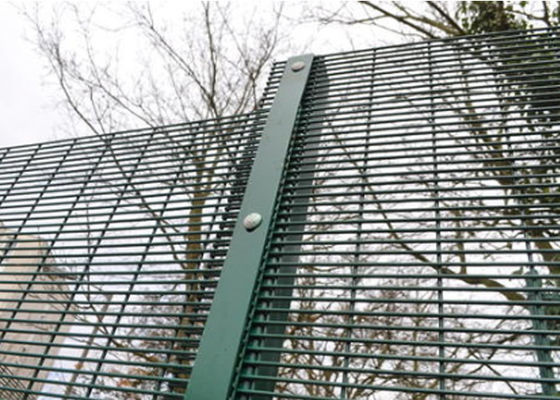Green / Black Metal 358 Security Fence Powder Coated With Posts And Hardware