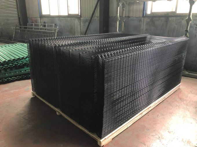 High Strength Galvanized Curve 3D Wire Mesh Fence 50*100mm Or Customize